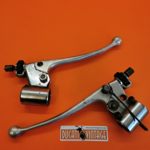 Complete original right and left lever group (see photo) used i, for Ducati Scrambler 2nd series